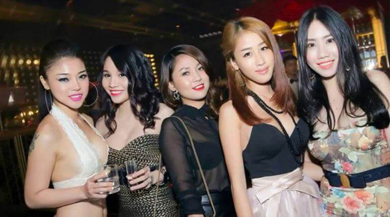In chi minh girl city ho single meet Where and